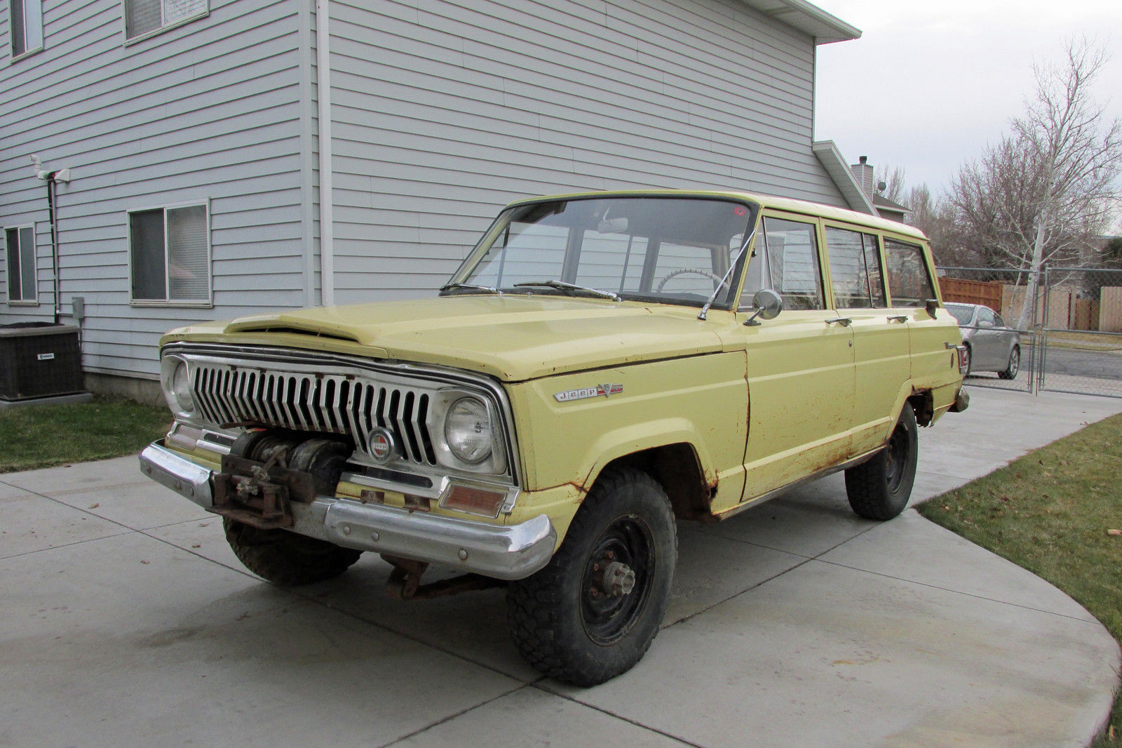 Jeep Wrangler Paint >> 1966 Jeep Wagoneer Original Paint and Factory Winch for sale