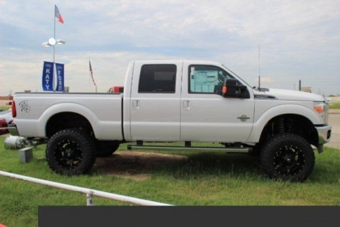 2016 Ford F 250 Lariat 6″ Lift & 22″ Wheels for sale