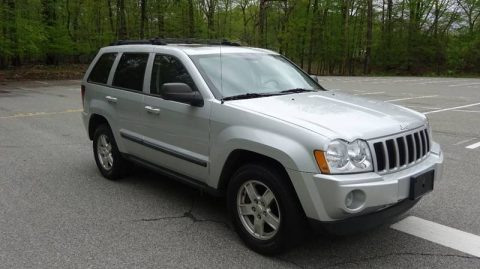 Decent miles 2007 Jeep Grand Cherokee Laredo offroad for sale