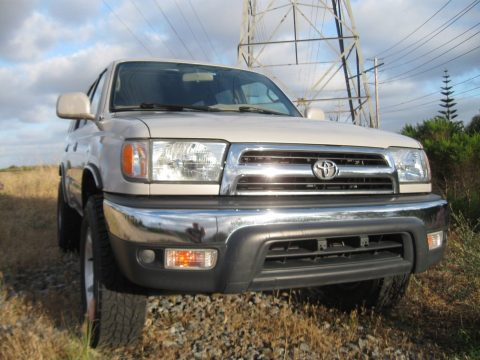 Legendary pffroad 2000 Toyota 4runner SR5 4X4 5 Speed MANUAL for sale