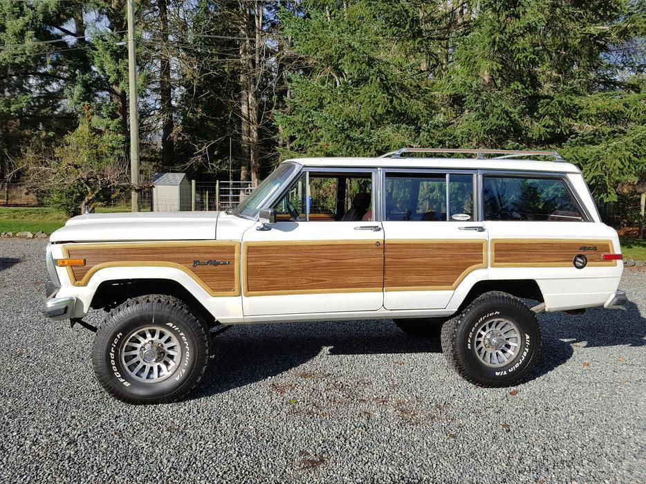 Vintage Classic Jeep Wagoneer Grand Offroad For Sale