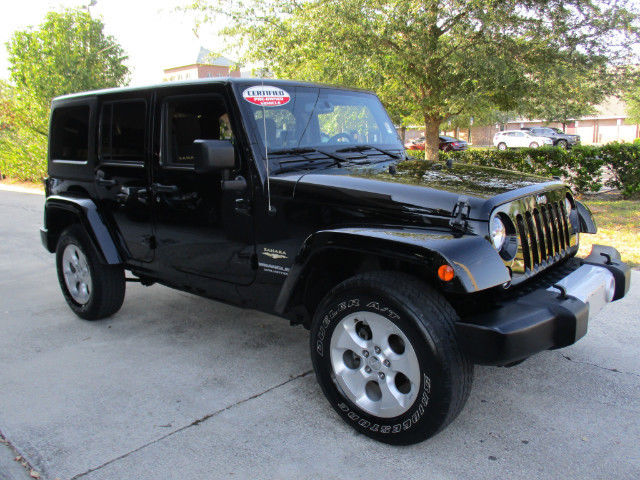 Low mileage 2014 Jeep Wrangler Unlimited Sahara offroad
