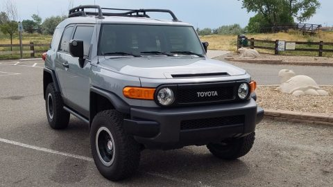 Non smoker 2013 Toyota FJ Cruiser Base Sport Utility offroad for sale