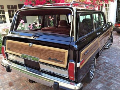 Beautiful Condition 1989 Jeep Grand Wagoneer offroad for sale