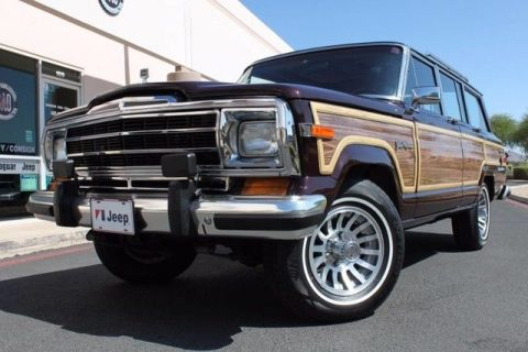 exceptionally clean 1989 Jeep Wagoneer Limited 4X4 offroad for sale