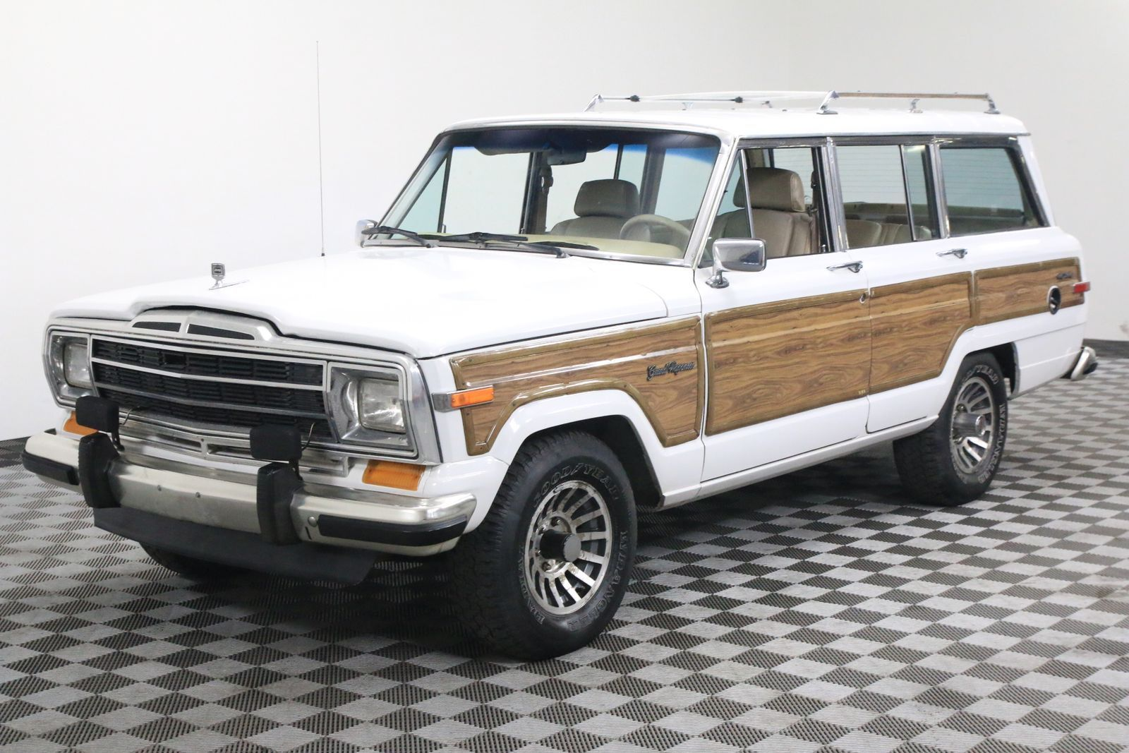 rare bright white luggage rack 1990 jeep wagoneer offroad for sale. Black Bedroom Furniture Sets. Home Design Ideas