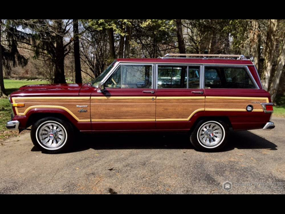 low miles 1983 Jeep Grand Wagoneer offroad