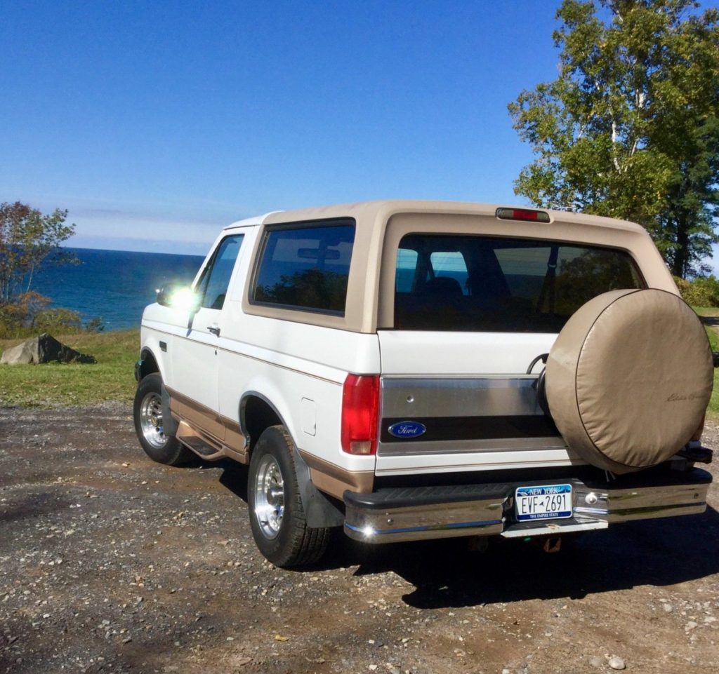 many upgrades 1996 Ford Bronco Eddie Bauer offroad
