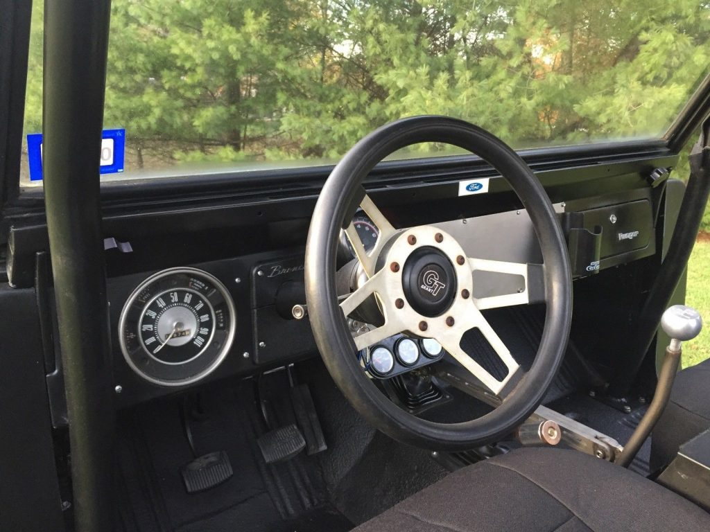 modified 1973 Ford Bronco offroad