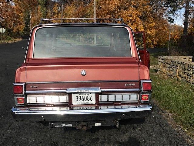 original survivor 1979 Jeep Wagoneer offroad