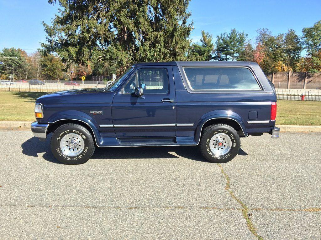 original survivor 1992 Ford Bronco offroad