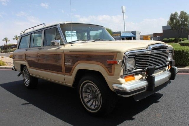 rare color combination 1984 Jeep Wagoneer Grand offroad non smoker