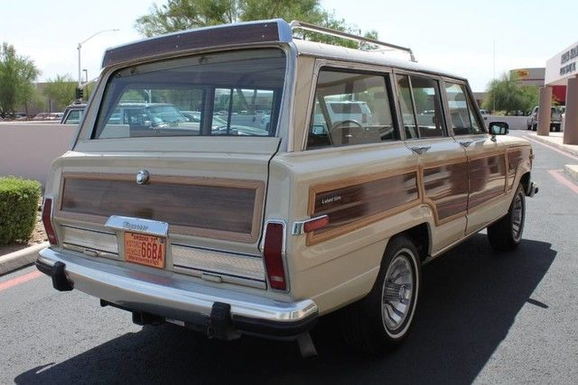 rare color combination 1984 Jeep Wagoneer Grand offroad non smoker