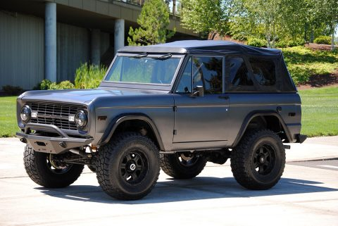 restomodded 1971 Ford Bronco SUV offroad for sale