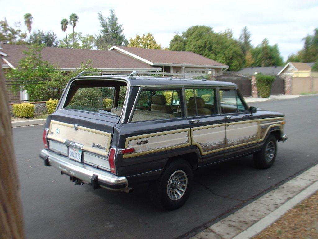 solid rust free 1987 Jeep Wagoneer offroad