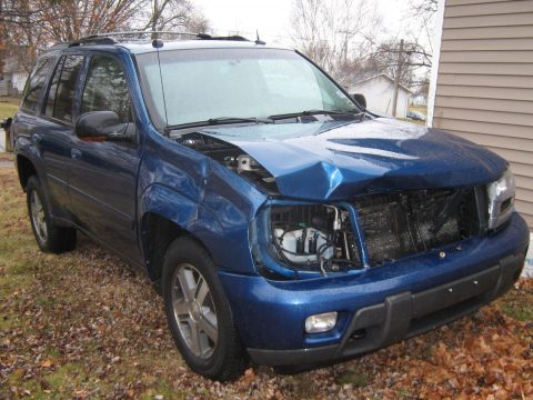 damaged 2005 Chevrolet Trail Blazer LT 4×4 offroad for sale