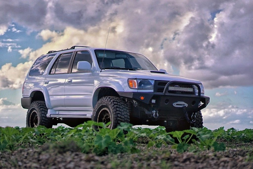 low miles 2000 Toyota 4runner SR5 Sport Utility offroad