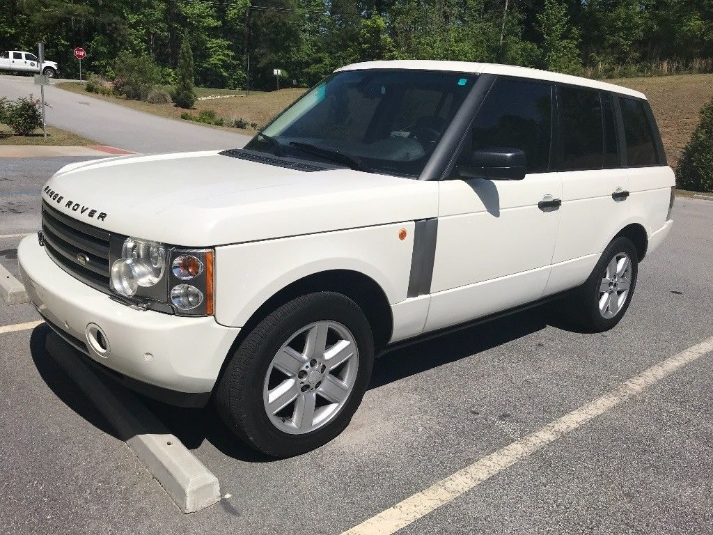 clean 2005 Range Rover HSE offroad