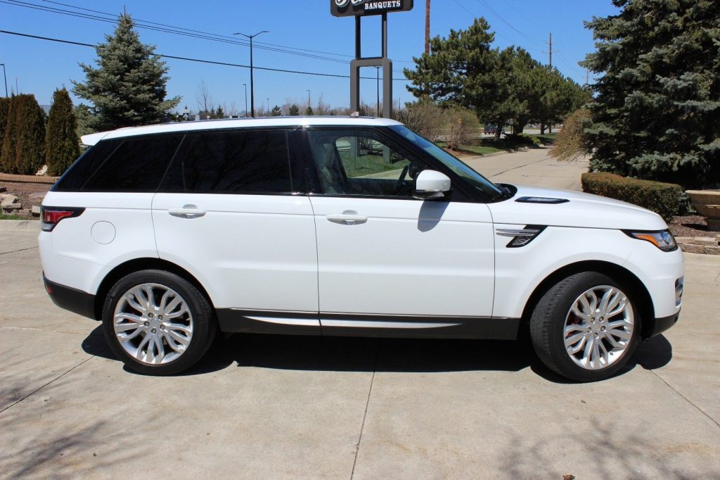 loaded with options 2015 Range Rover Sport offroad
