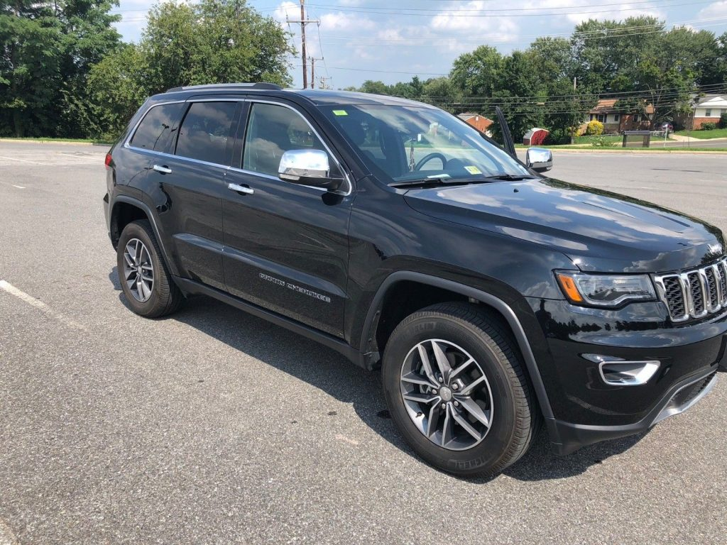 loaded 2017 Jeep Grand Cherokee Limited offroad