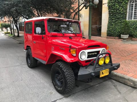 Fully Restored 1974 Toyota Land Cruiser offroad for sale