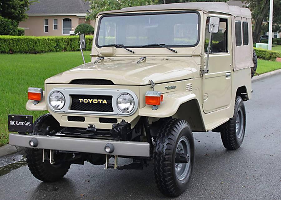 low miles 1976 Toyota Land Cruiser FJ40 offroad