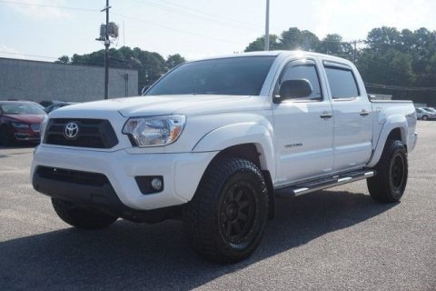 low miles 2015 Toyota Tacoma offroad for sale