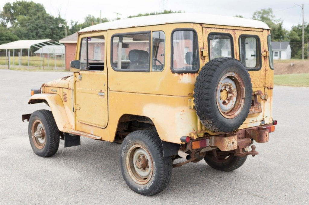needs restoration 1982 Toyota Land Cruiser BJ42 offroad