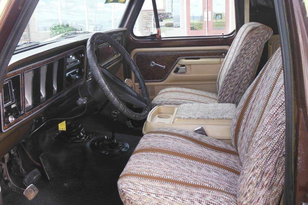 vintage 1979 Ford Bronco XLT offroad