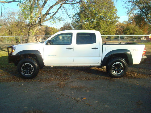 clean 2013 Toyota Tacoma TRD offroad