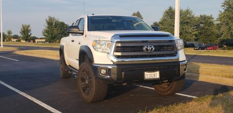 low miles 2015 Toyota Tundra SR5 offroad for sale