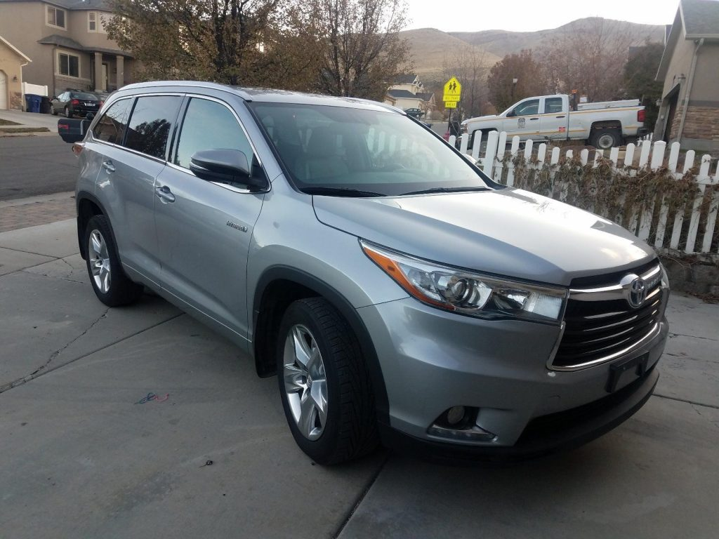 super clean 2014 Toyota Highlander LIMITED offroad