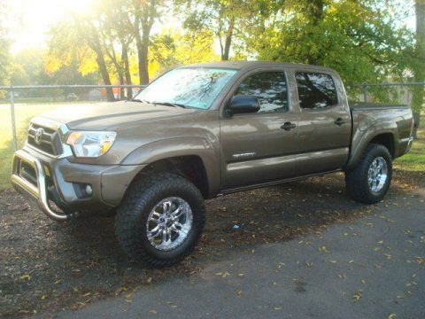 well equipped 2014 Toyota Tacoma SR5 offroad for sale
