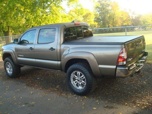 well equipped 2014 Toyota Tacoma SR5 offroad