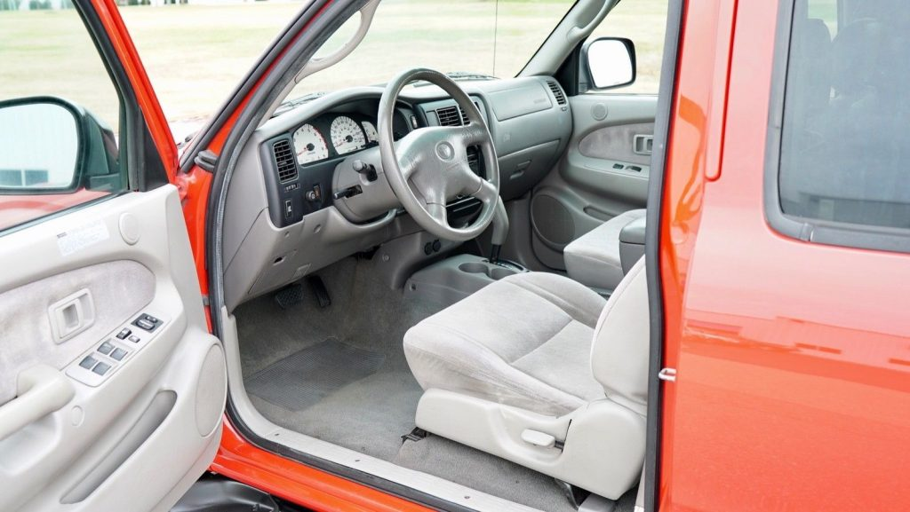 clean 2004 Toyota Tacoma Double Cab Pre Runner TRD V6 offroad