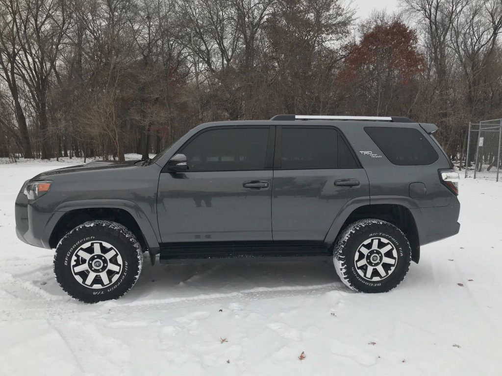 low mileage 2017 Toyota 4runner TRD offroad