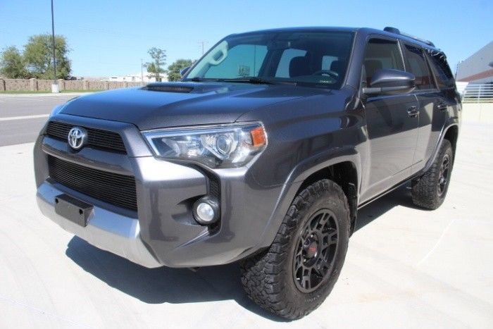 low miles 2016 Toyota 4runner SR5 offroad