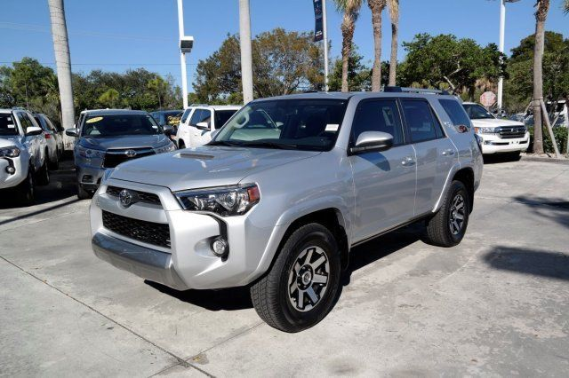 very low miles 2018 Toyota 4runner TRD Off Road