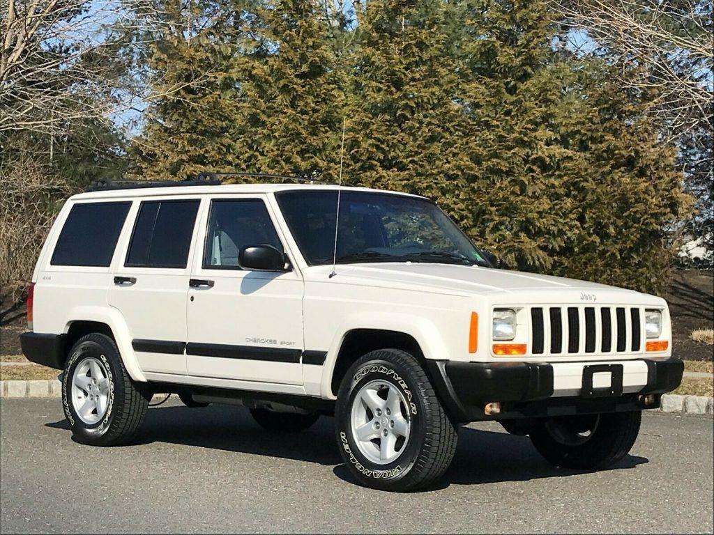 low miles 1999 Jeep Cherokee Sport XJ offroad