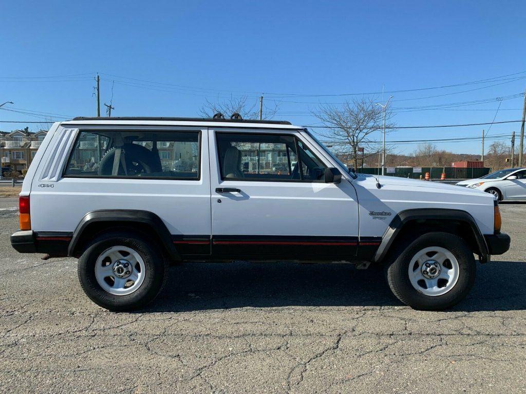 rare 1995 Jeep Cherokee Sport 2 DOOR offroad