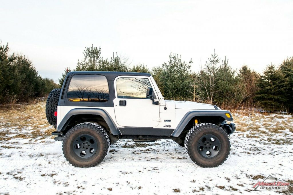 super clean 1999 Jeep Wrangler HEMI Rubicon offroad