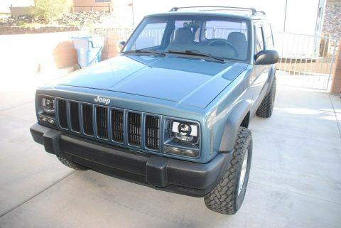 well maintained 1999 Jeep Cherokee SPORT offroad for sale