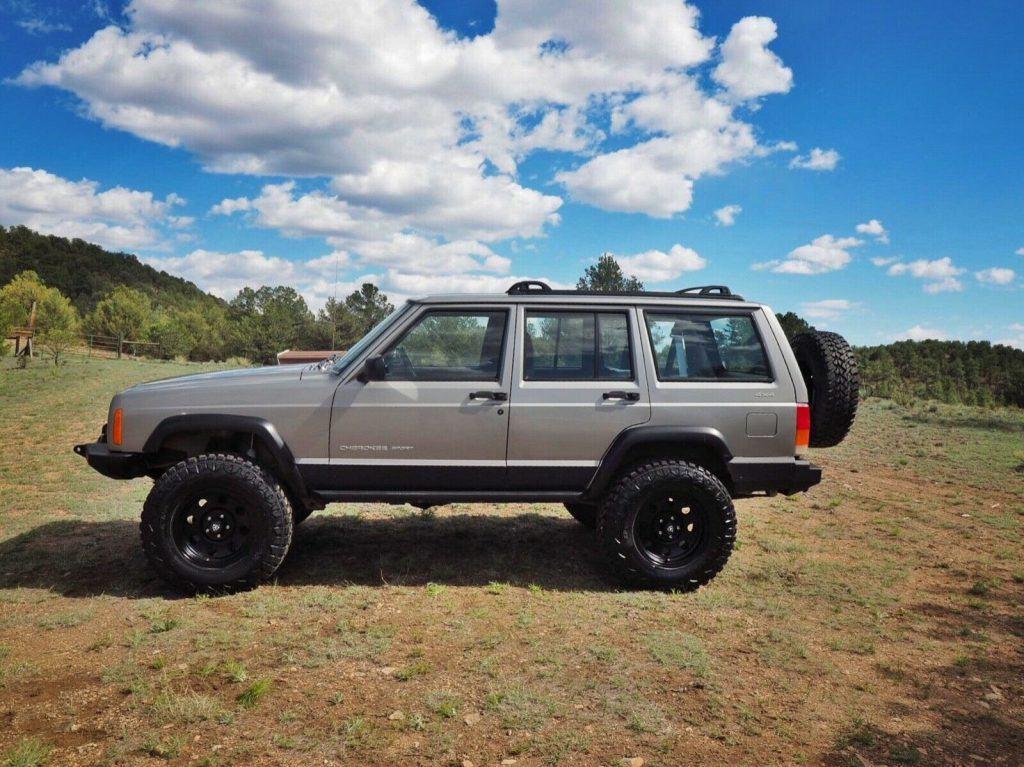 low miles 2001 Jeep Cherokee Sport offroad