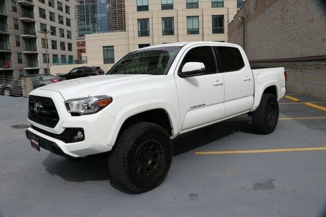 low miles 2016 Toyota Tacoma TRD Offroad