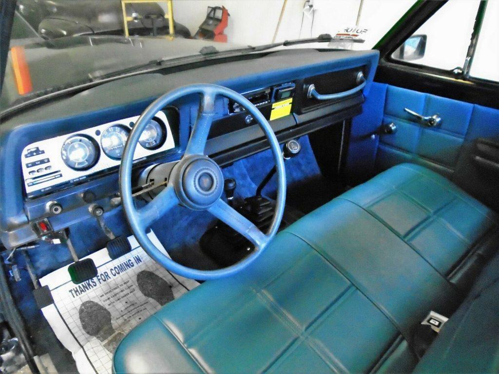 beautiful 1982 Jeep J10 Honcho pickup offroad