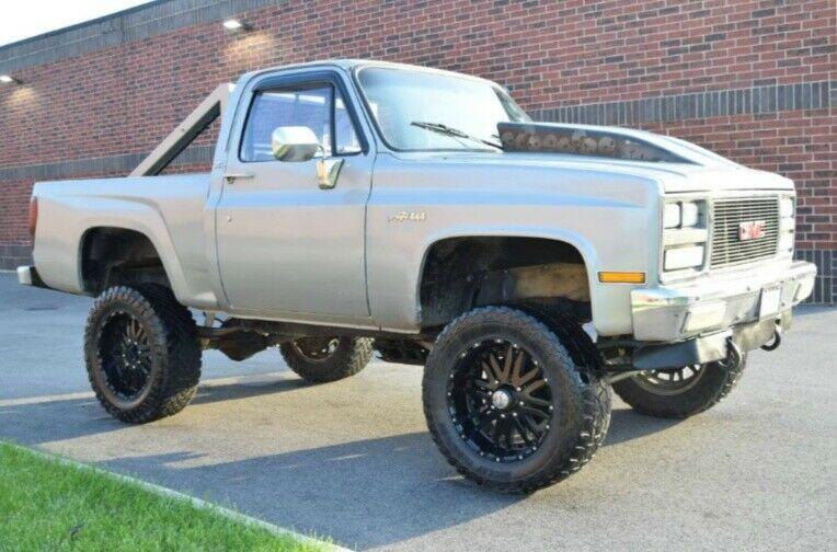 custom 1985 Chevrolet C 10 1/2 Ton Stepside pickup offroad