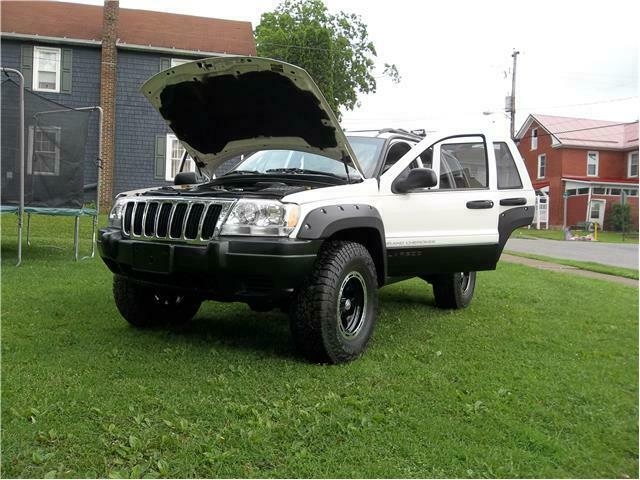 fully loaded 2003 Jeep Grand Cherokee offroad