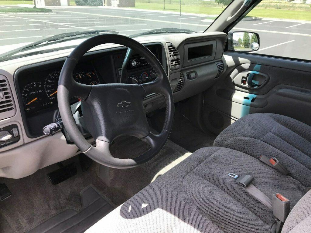 loaded 2000 Chevrolet C/K 2500 Silverado offroad