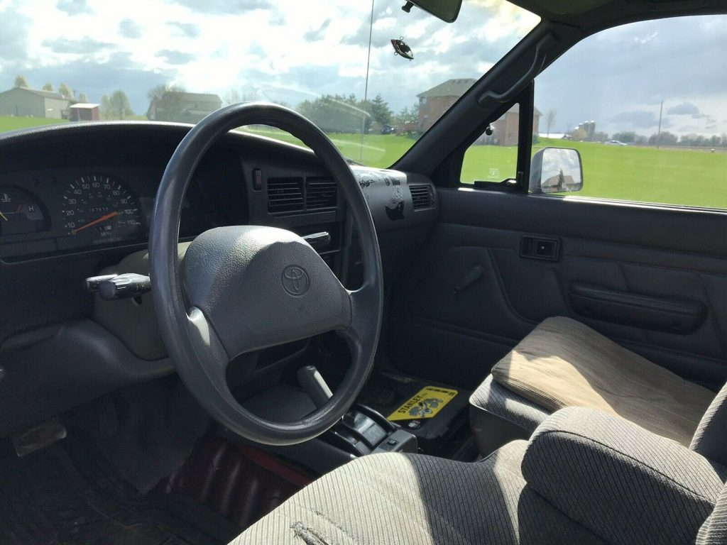 very nice 1994 Toyota Hilux Pickup offroad
