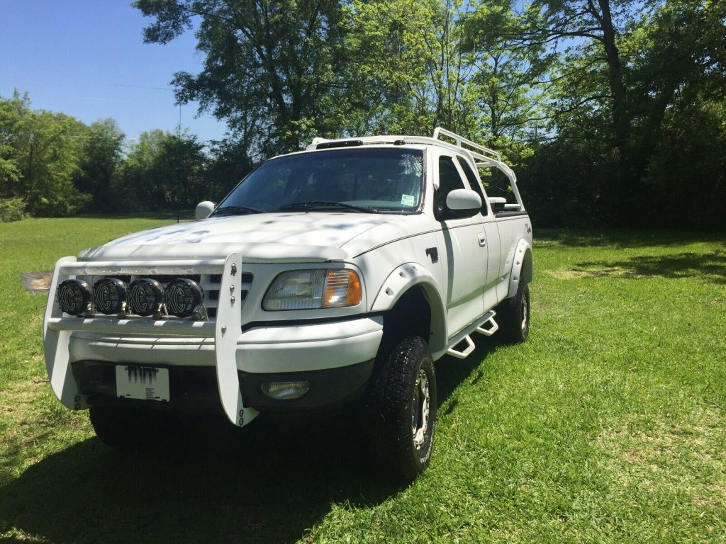 well upgraded 2002 Ford F 150 pickup offroad
